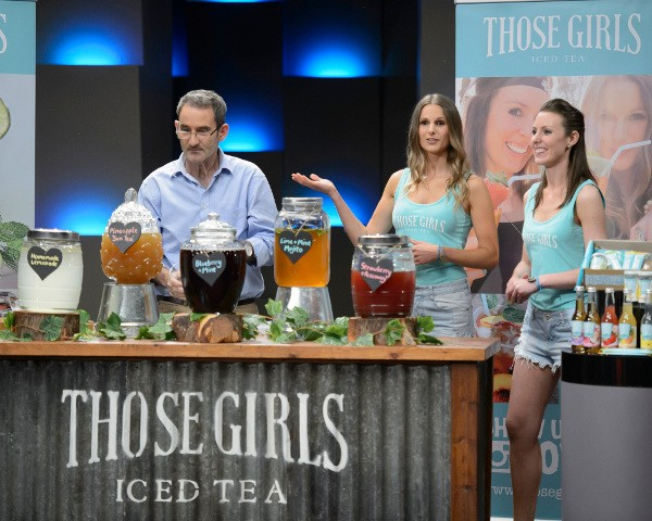 Steve Baxter with Those Girls co-founders Lauren Davie and Elena Andoniou on Shark Tank